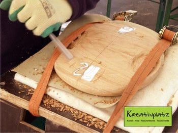 praktisches Arbeiten mit Holz auf dem Kreativplatz in Luckenwalde