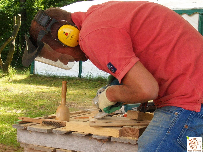 3- Kreatives Ausbrobieren in der Holzgestaltung