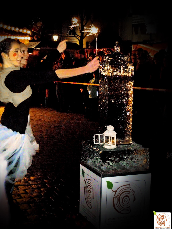Faszination von Feuer Tanz und Show